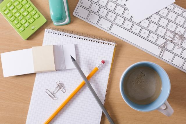 紙やWeb媒体のグラフィックデザインから、ディレクション業務まで幅広く経験
