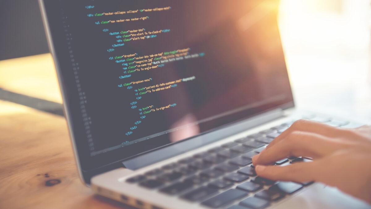 JavaやPHPなど賃貸管理システムにおけるプログラマー