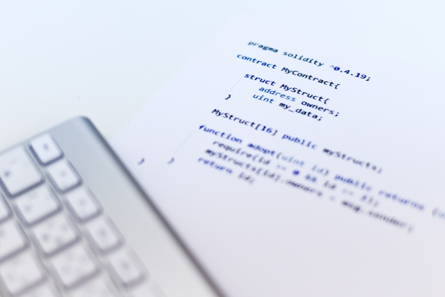 PHPを使用したCMSサイトコーディング経験あり、実務10年以上のプログラマ